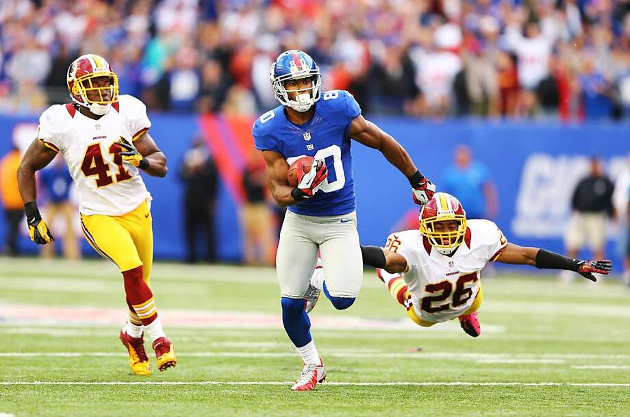Victor Cruz says he won't hold out. Photo: Al Bello, Getty Images