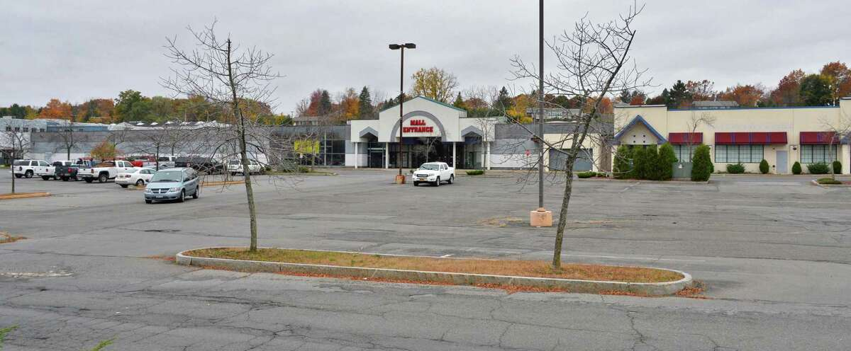 Latham Circle Mall in Colonie Thursday Oct. 25, 2012. (John Carl D'Annibale / Times Union)