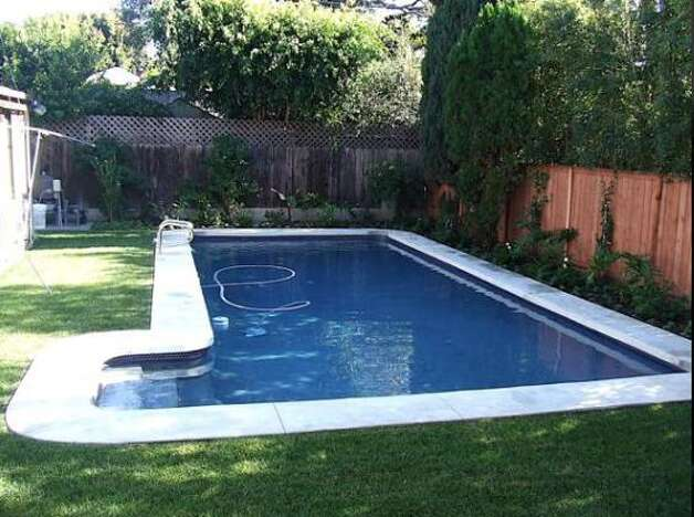 Pool completely cleaned and inviting (Courtesy of Angie Hill/ AOL Real Estate)