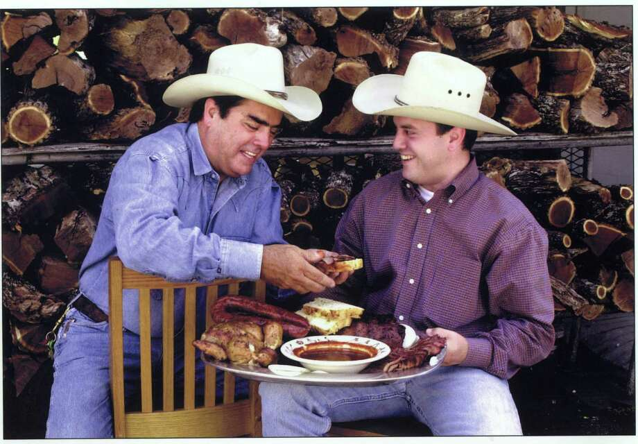 chefs Jim and Levi Goode of Goode Company Restaurant.  HOUCHRON CAPTION (09/28/2000):  Jim and Levi Goode. / handout/print