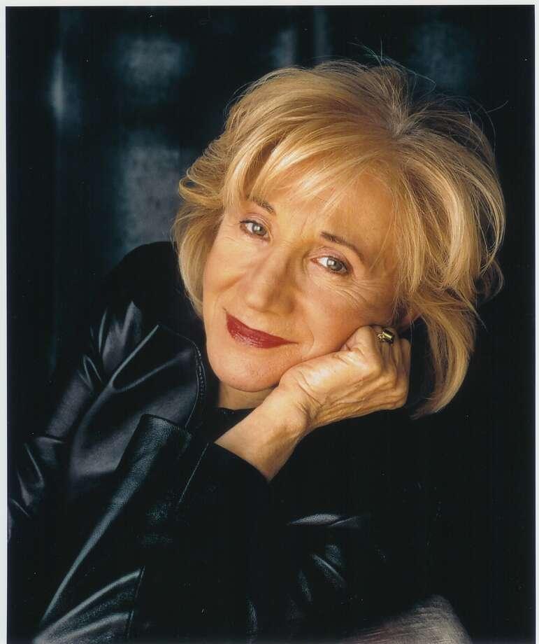 Olympia Dukakis (Deborah Feingold)