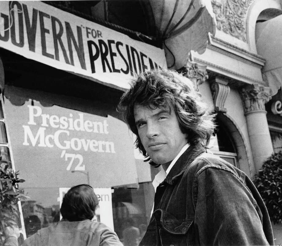 Actor Warren Beatty stands outside the headquarters for Democratic presidential candidate, U.S. Sen. George McGovern in Beverly Hills, Calif onMay 29, 1972. Photo: Uncredited, Associated Press / AP