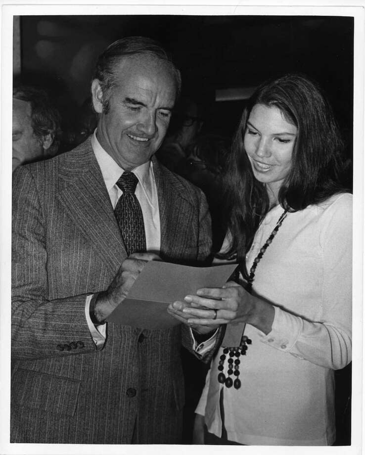 Democratic presidential candidate George McGovern with Barbara Carlson in Houston. Photo: Frank South Jr., Houston Chronicle / Houston Post