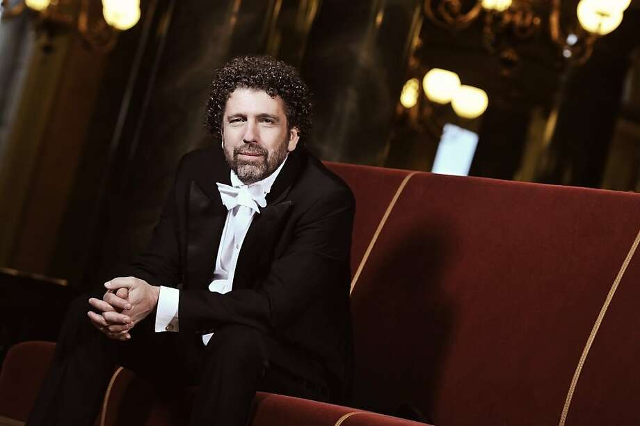 Asher Fisch delivered a virtuoso display of powerful musicianship in his San Francisco Symphony debut. Photo: Chris Gonz