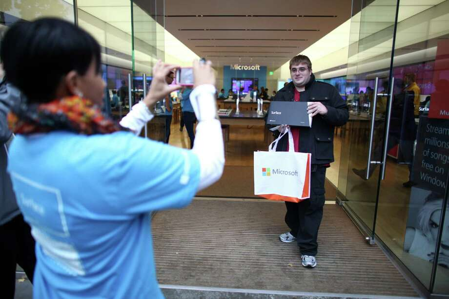 Microsoft stores did draw lines for the Surface, but sales have so far been disappointing. Photo: JOSHUA TRUJILLO / SEATTLEPI.COM