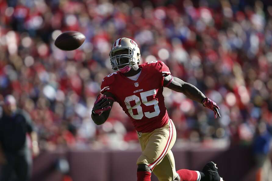 Vernon Davis is seeing fewer and fewer passes as defenses dedicate more men to stopping him.