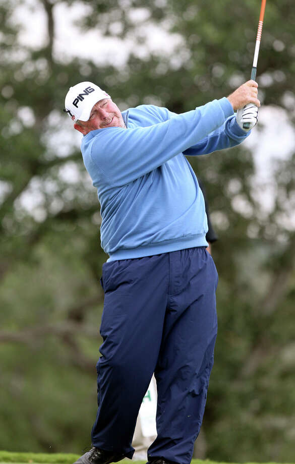 Mark Calcavecchia secured his first-round lead after five birdies on the back nine at TPC San Antonio. Because of inclement weather, he was one of the few players Friday to finish his round. Photo: Tom Reel, Express-News / ©2012 San Antono Express-News