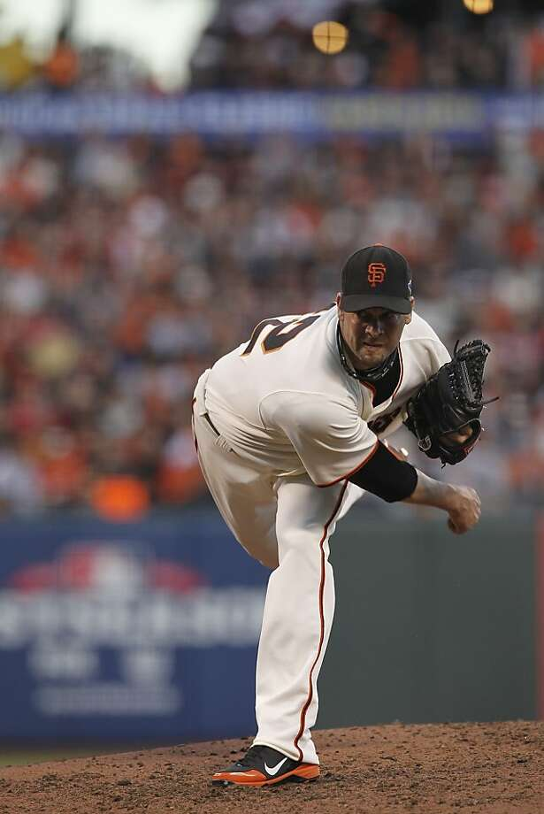 GiantsÍ pitcher Ryan Vogelsong pitches during game 2 of the NLCS at AT&T Park on Monday, Oct. 15, 2012 in San Francisco, Calif. Photo: Michael Macor, The Chronicle