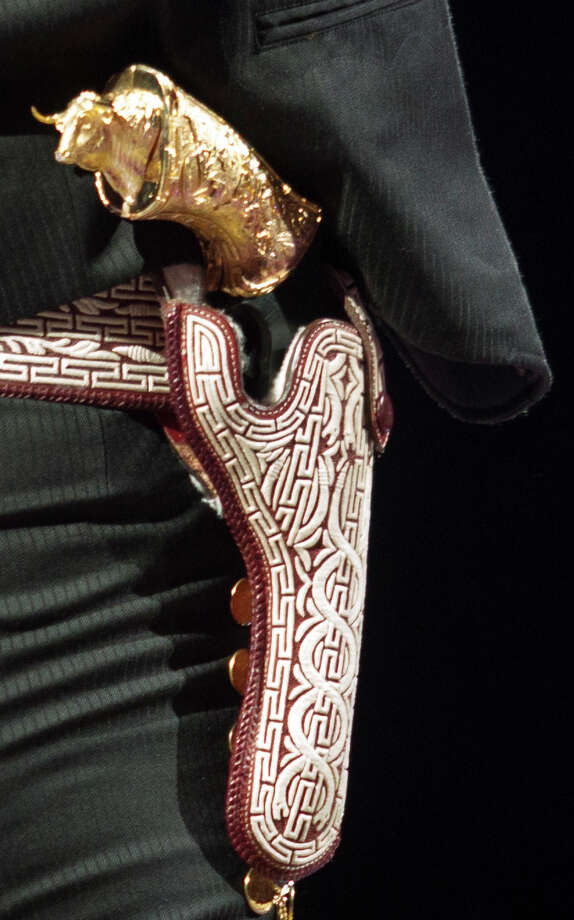 A close-up of the pistol. / © 2012 Houston Chronicle