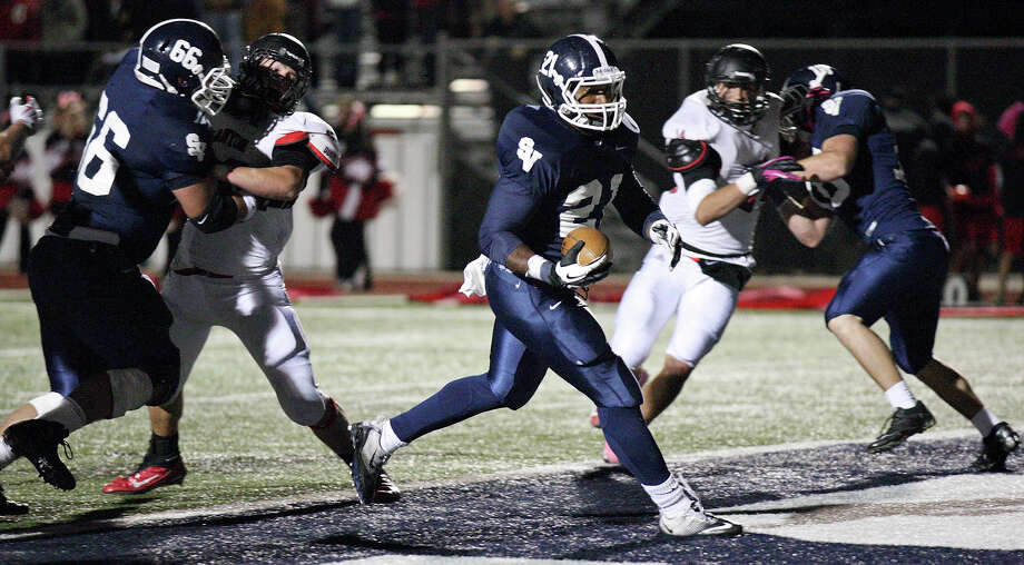 Smithson Valley's Lawrence Mattison scores a touchdown against New Braunfels Canyon during second half action Friday Oct. 26, 2012 at Ranger Stadium in Spring Branch, Tx. Smithson Valley won 35-3. Photo: Edward A. Ornelas, Express-News / © 2012 San Antonio Express-News