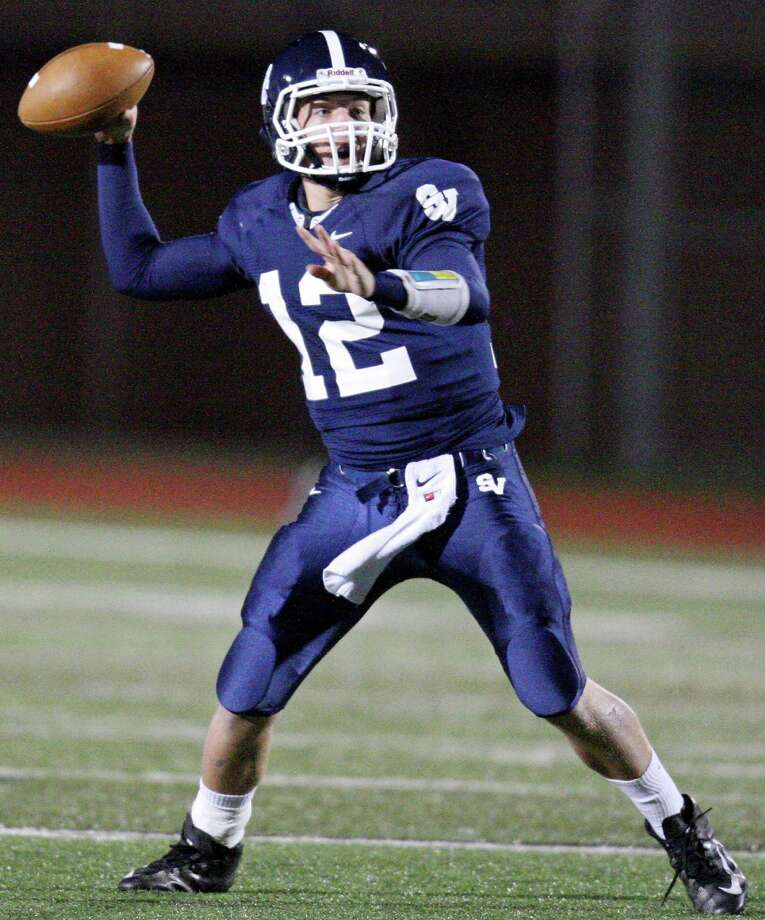 Smithson Valley's Garrett Smith passes against New Braunfels Canyon during first half action Friday Oct. 26, 2012 at Ranger Stadium in Spring Branch, Tx. Photo: Edward A. Ornelas, Express-News / © 2012 San Antonio Express-News