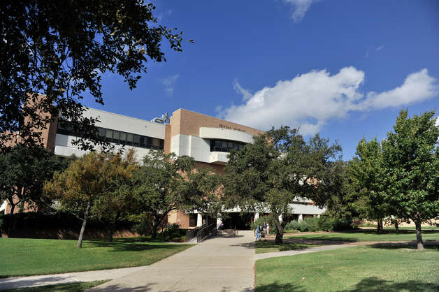 The dental school is part of the University of Texas Health Science Center at San Antonio in the Medical Center. Oct. 22, 2012. Photo: Robin Jerstad, For The Express-News