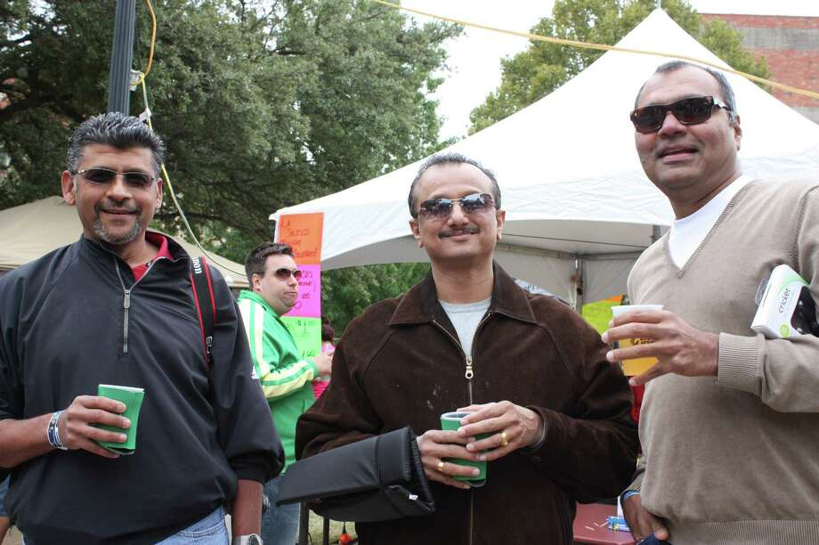 Brew lovers attend the San Antonio Beer Festival presented by the SA Current on Saturday at HemisFair Park. Photo: Express-News