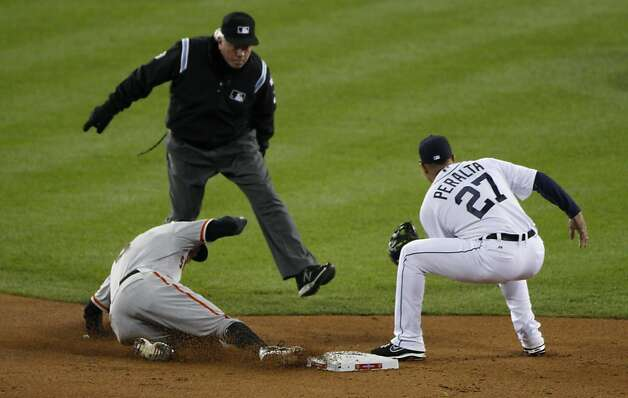 Giants' right fielder Hunter Pence steals 2nd base in the 2nd inning during the World Series game 3 at Comerica Park in Detroit, MI, on Saturday, Oct. 27, 2012. Photo: Carlos Avila Gonzalez, The Chronicle