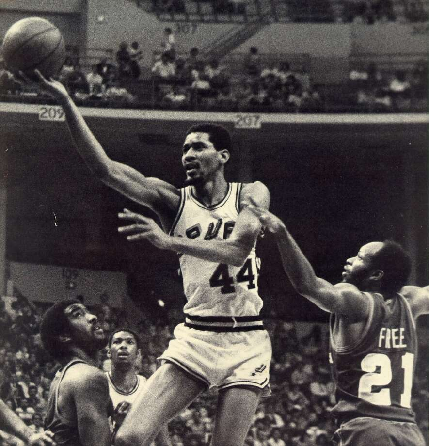 "No. 44 George Gervin - ""Iceman"" ..... known for his smooth playing style and the fi nger roll. ..... averaged 25.1 points over 14 seasons. ..... four-time NBA scoring champion. ..... 12-time ABA and NBA All-Star. ..... All-NBA fi rst team from 1978 to 1982. ..... retired with more blocked shots than any shooting guard in NBA history. ... 1996 Hall of Fame inductee. Express-News file photo"