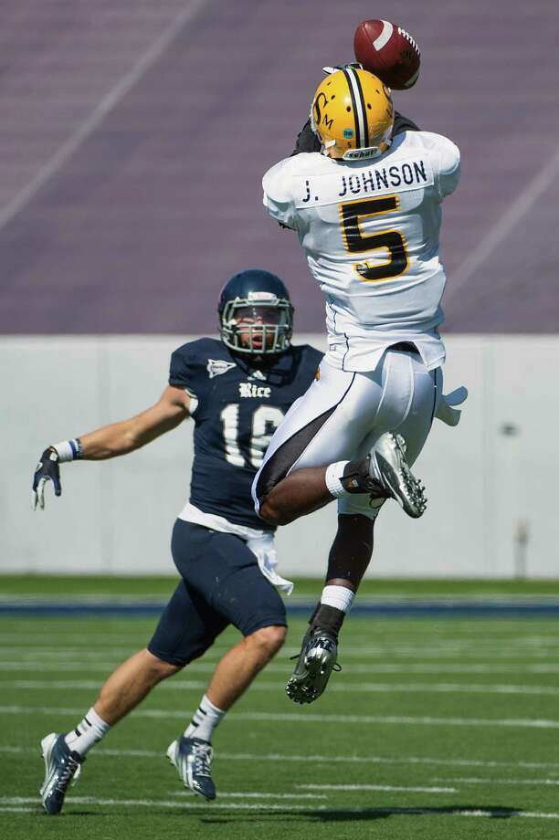 Southern Miss defensive back Jerrion Johnson (5) knocks down a pass by Rice quarterback Taylor McHargue (16) during the second quarter. Photo: Smiley N. Pool, Houston Chronicle / © 2012  Houston Chronicle