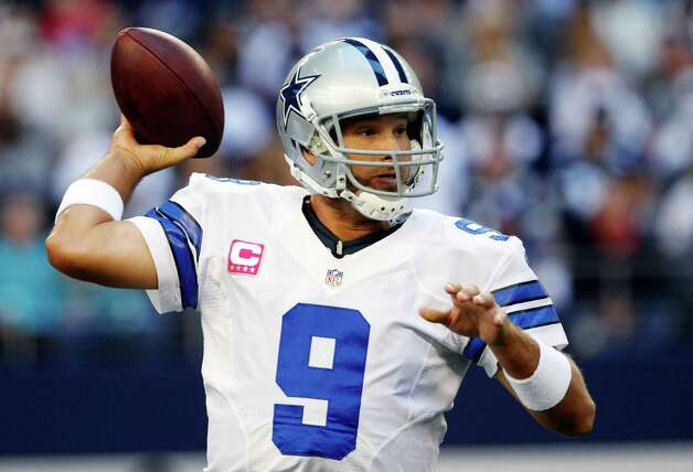 Dallas Cowboys quarterback Tony Romo (9) passes the ball against the New York Giants during the first half of an NFL football game, Sunday, Oct. 28, 2012, in Arlington, Texas. (AP Photo/Tony Gutierrez) Photo: Tony Gutierrez, Associated Press / AP
