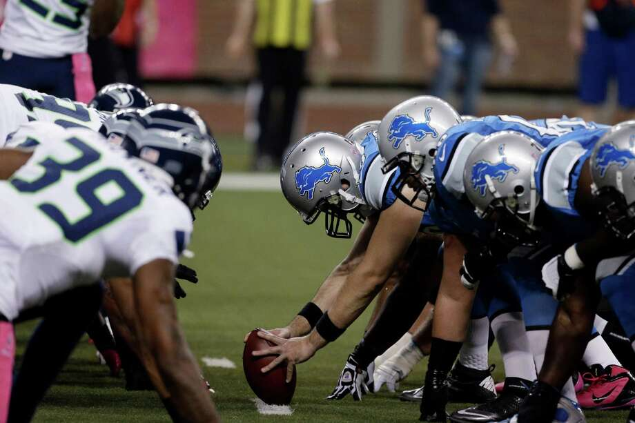 The Detroit Lions snap the ball against the Seattle Seahawks in the first half of an NFL football game, Sunday, Oct. 28, 2012. in Detroit. Photo: AP