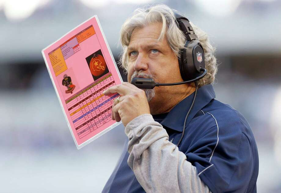 Dallas Cowboys defensive coordinator Rob Ryan makes a call against the New York Giants during the first half of an NFL football game Sunday, Oct. 28, 2012 in Arlington, Texas. (AP Photo/Sharon Ellman) Photo: Sharon Ellman, Associated Press / FR170032 AP