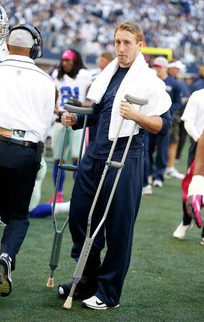 Dallas Cowboys inside linebacker Sean Lee before an NFL football game against the New York Giants Sunday, Oct. 28, 2012 in Arlington, Texas. (AP Photo/Sharon Ellman) Photo: Sharon Ellman, Associated Press / FR170032 AP