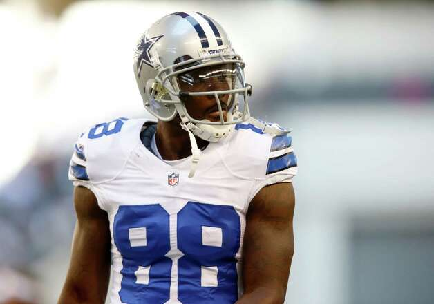 Dallas Cowboys wide receiver Dez Bryant (88) during the first half of an NFL football game against the New York Giants Sunday, Oct. 28, 2012 in Arlington, Texas. (AP Photo/Sharon Ellman) Photo: Sharon Ellman, Associated Press / FR170032 AP
