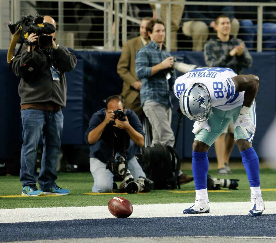Dallas Cowboys wide receiver Dez Bryant (88) during the second half of an NFL football game against the New York Giants Sunday, Oct. 28, 2012 in Arlington, Texas. (AP Photo/Sharon Ellman) Photo: Sharon Ellman, Associated Press / FR170032 AP