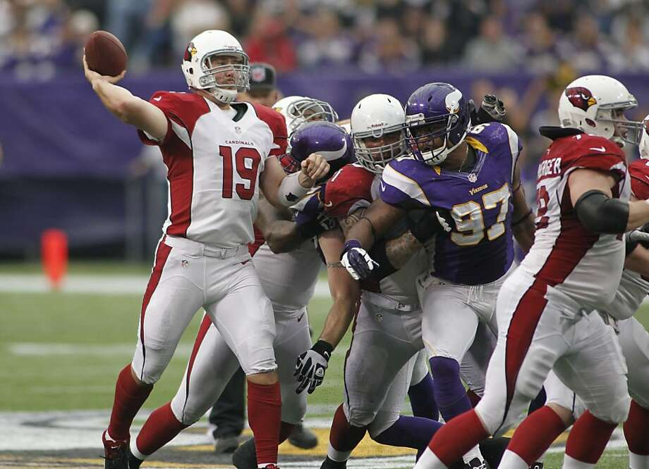 With Kevin Kolb injured, John Skelton (19), who didn't fare well Oct. 21 against Minnesota, will be starting for the Cardinals as they try to move into a first-place tie with the 49ers. Photo: Andy King, Associated Press