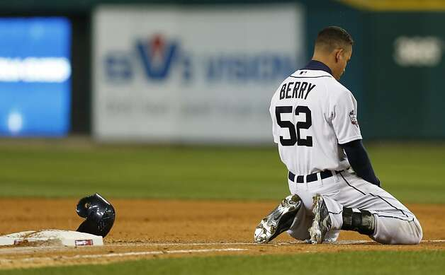 The Tigers' Quintin Berry tosses his helmet after grounding out in the fifth inning with the Tigers leading 2-1. Detroit would never lead again after Buster Posey's two-run home run in the following inning. Photo: Michael Macor, The Chronicle