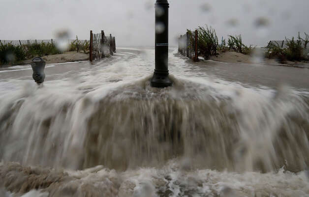 Waters from Hurricane Sandy start to flood Beach Ave. on October 29, 2012 in Cape May, New Jersey. Later today the full force of Hurricane Sandy is expected to hit the New Jersey coastline bringing heavy winds and floodwaters. Photo: Mark Wilson, Getty Images / 2012 Getty Images