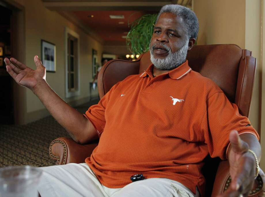 Ex-Oiler great and Longhorn Earl Campbell's beard has aged well.  Photo: Harry Cabluck, AP / AP