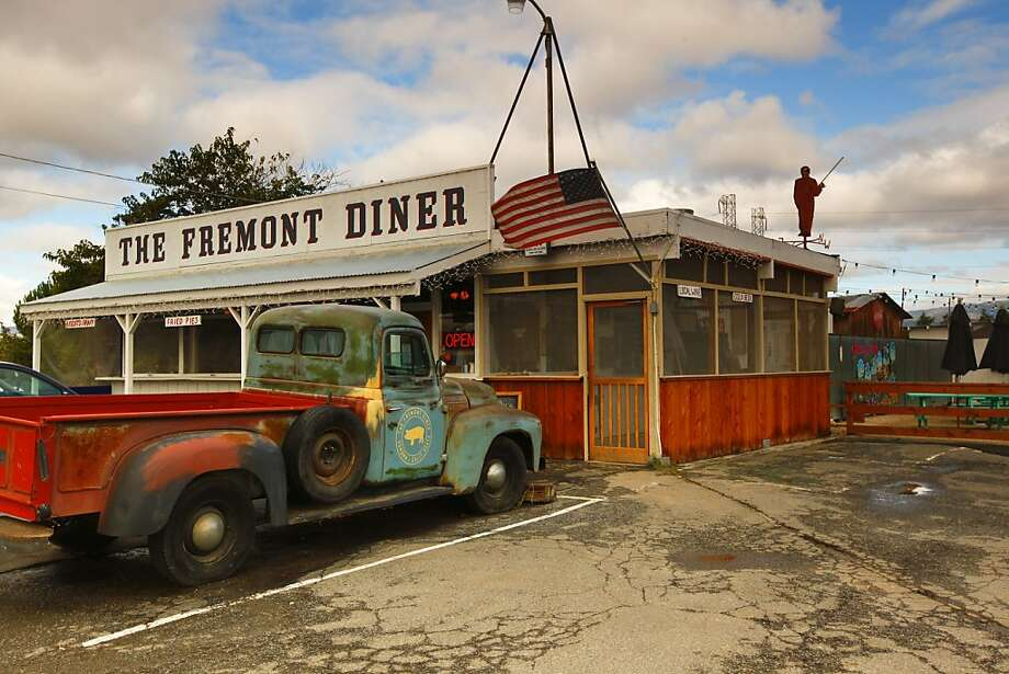 Diners originally ordered at a window at the Fremont Diner, but now there is table service and barbecue dinners. Photo: Craig Lee, Special To The Chronicle