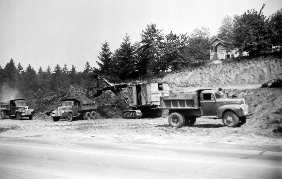 This picture from May 1946 shows excavation near the site that became home to Kaiser and Fraser Cars and Eckern's Bellevue Automotive Company. Photo: MOHAI, Seattle Post-Intelligencer Collection