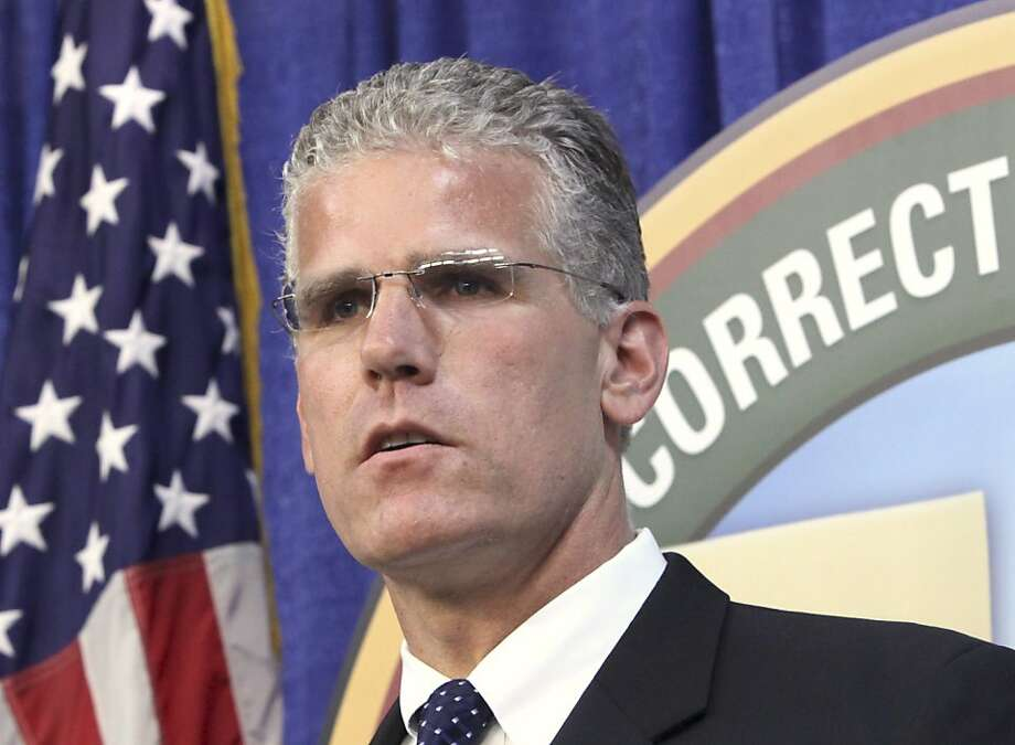 Corrections Secretary Matthew Cate answers a question concerning his departments proposal to reduce the California's inmate popluation during a news conference in  Sacramento, Calif., Friday, Sept. 18, 2009. The proposal to reduce the state's inmate population by 23,000 over the next two years falls short of the federal court mandate. (AP Photo/Rich Pedroncelli) Photo: Rich Pedroncelli, ASSOCIATED PRESS