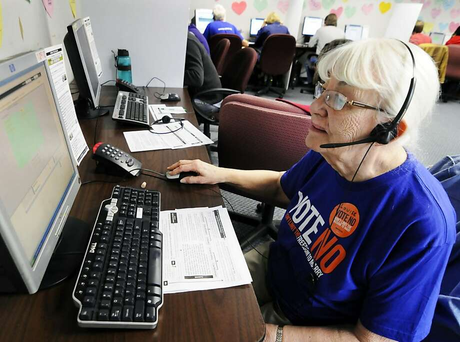 Louise Pardee calls fellow senior citizens to talk about same-sex marriage. The Minnesota ballot contains a measure to ban such unions, and opponents are trying to persuade seniors to vote against the measure. Photo: Jim Mone, Associated Press