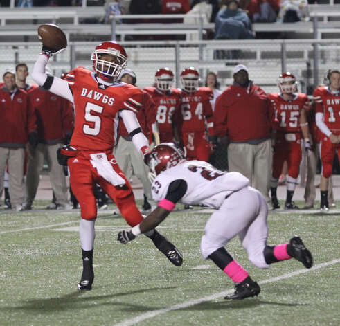 Jasper's Deroddrick Hadnot applies the pressure to a Carthage pass attempt. Photo: Jason Dunn
