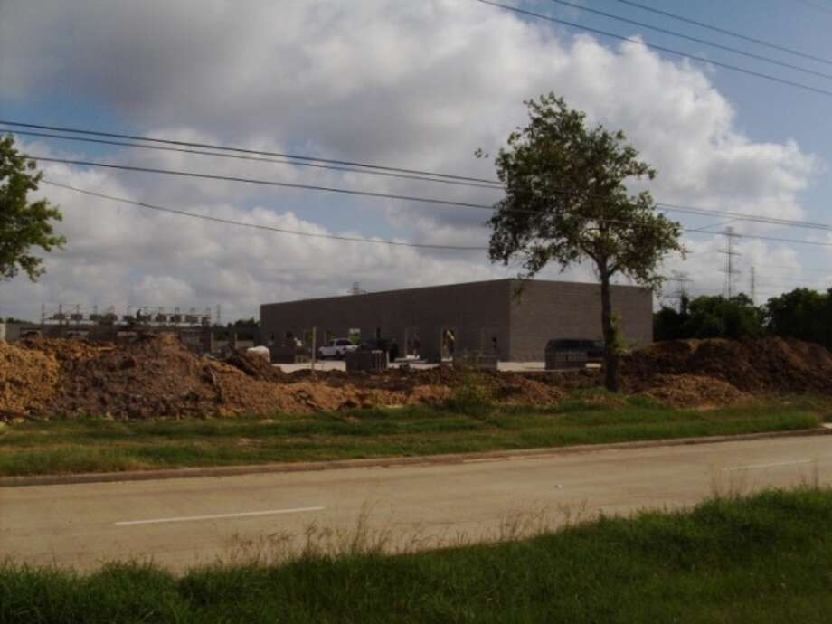 Lone Star Partners is building the Katy Green Business Park, a 26,480-square-foot multi-tenant office/warehouse project at Interstate 10 and Westgreen. Moody Rambin Interests will handle the leasing. (Moody Ramgin Interests)