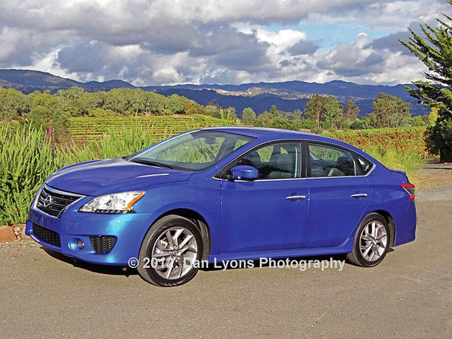 2013 Nissan Sentra (photo by Dan Lyons) / copyright: Dan Lyons - 2012