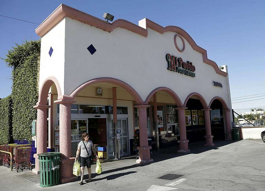 San Jose's Mi Pueblo grocery chain hopes to work out its loan problems with primary lender Wells Fargo. Photo: Marcio Jose Sanchez, Associated Press