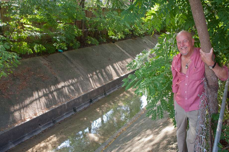 Local historian and author Marks Hinton says a section of Bissonnet Road once was called Poor Farm Road because it was near a home for the indigent. This drainage channel near the road is still called Poor Farm Ditch. Photo: R. Clayton McKee, Freelance / © R. Clayton McKee