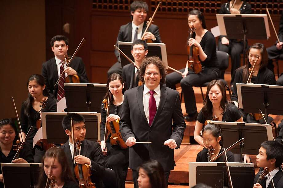 S.F. Symphony resident conductor Donato Cabrera will lead the Youth Orchestra and the Symphony Chorus in the annual Dia de los Muertos concert. Photo: Kristen Loken