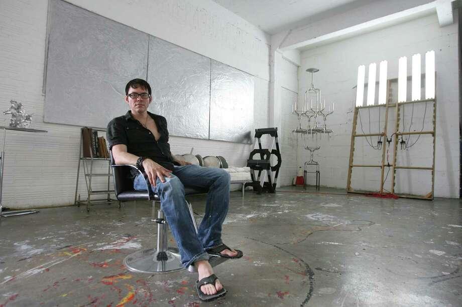 Bill Olive-for the Chronicle. 09/20/2008. 2300 McKinney Street, Houston, Tx. Houston artist daniel kayne (cq), in his studio. Photo: Bill Olive, Freelance / freelance