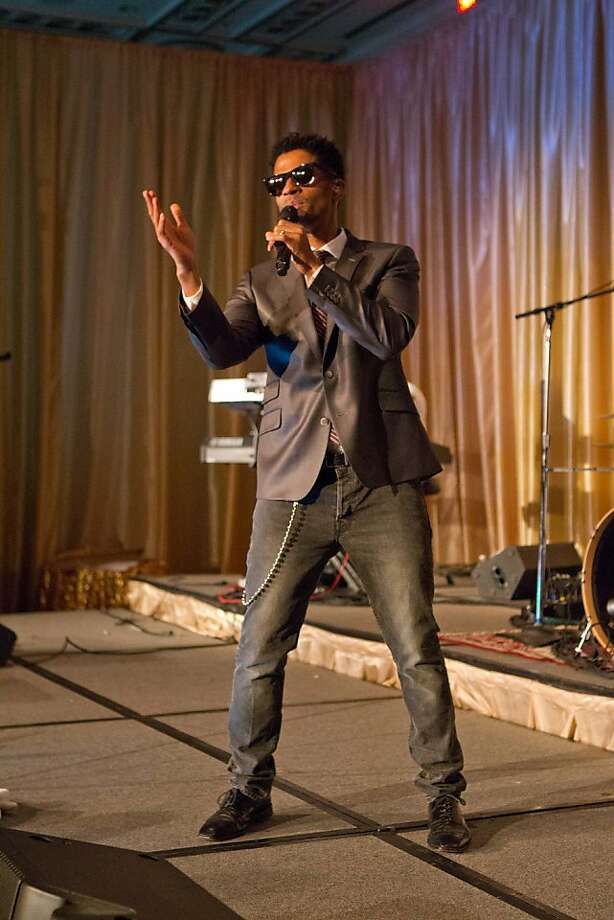 R&B and neo soul singer Eric Benet performed at MOAD's seventh annual gala. Photo: Drew Altizer Photography, Drew Altizer
