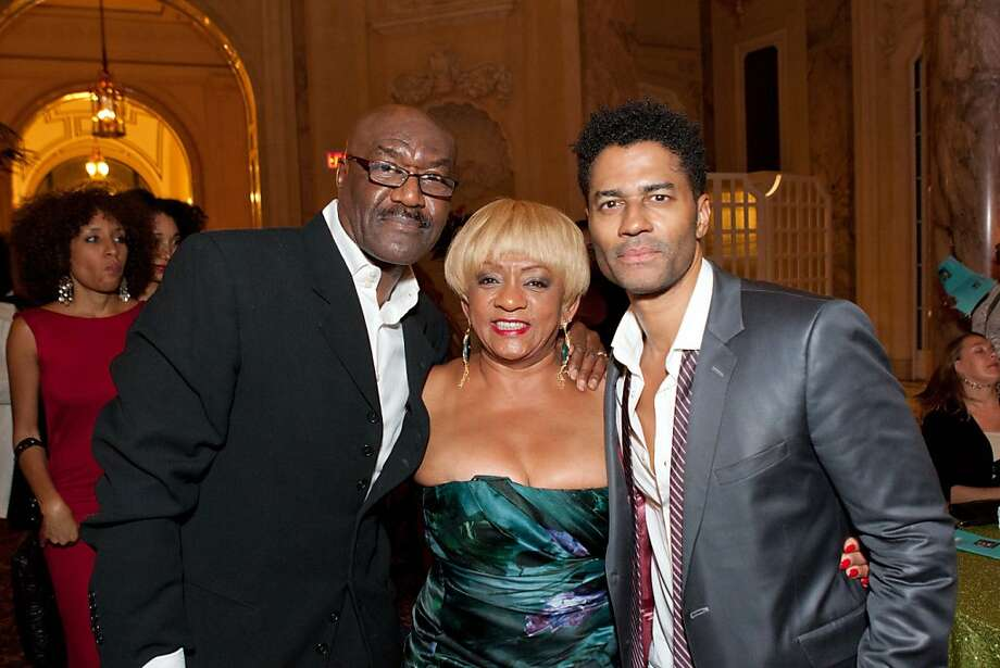 Actor Delroy Lindo with Wells Fargo senior VP and MOAD Visionary Leadership Award honoree Brenda Wright and singer Eric Benet. Photo: Drew Altizer Photography, Drew Altizer