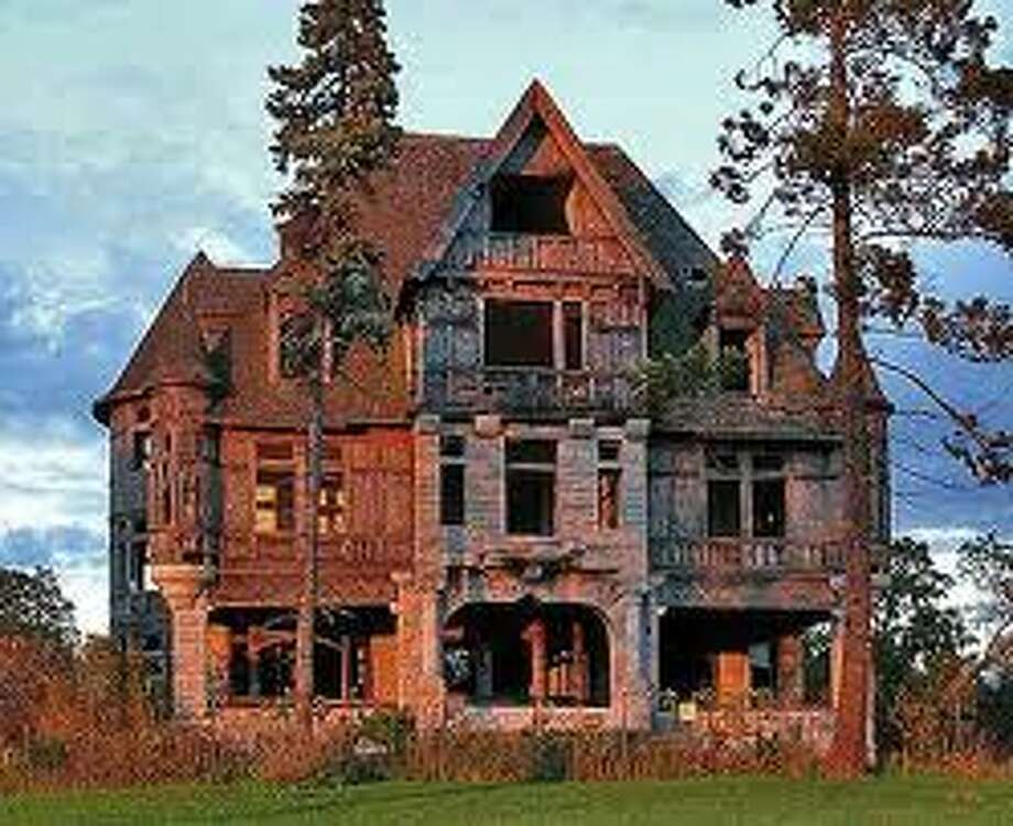 Thousand Islands Mansion (TopTenRealEstateDeals.com)