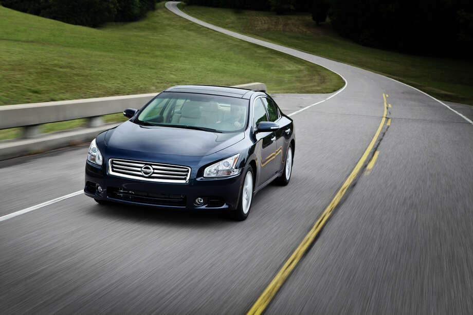 Large cars: Nissan Maxima Photo: Nissan, . / © 2012 Nissan