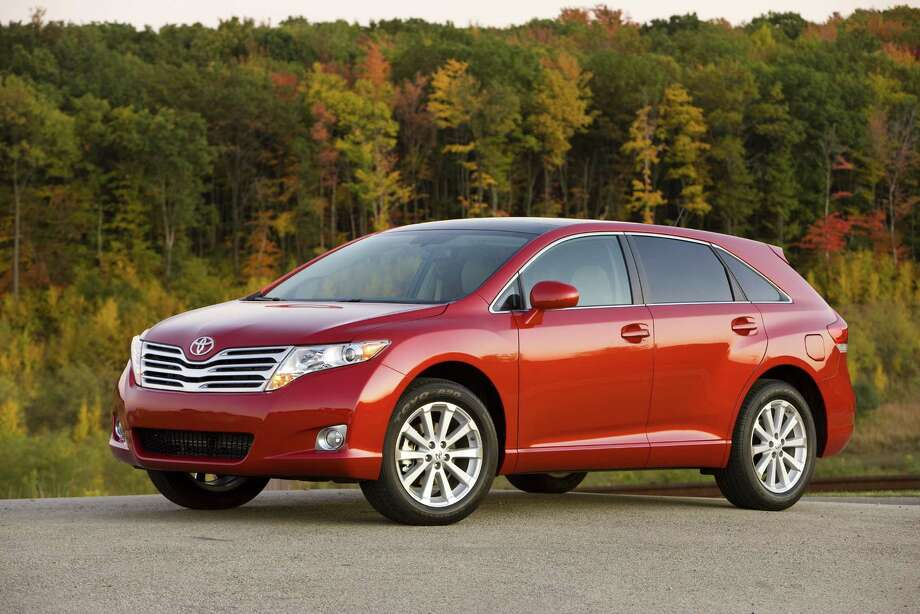 Wagons: Toyota Venza Photo: .