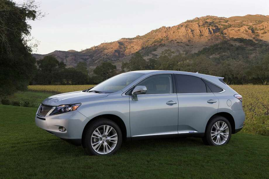 Luxury SUVs: Lexus RX Photo: .
