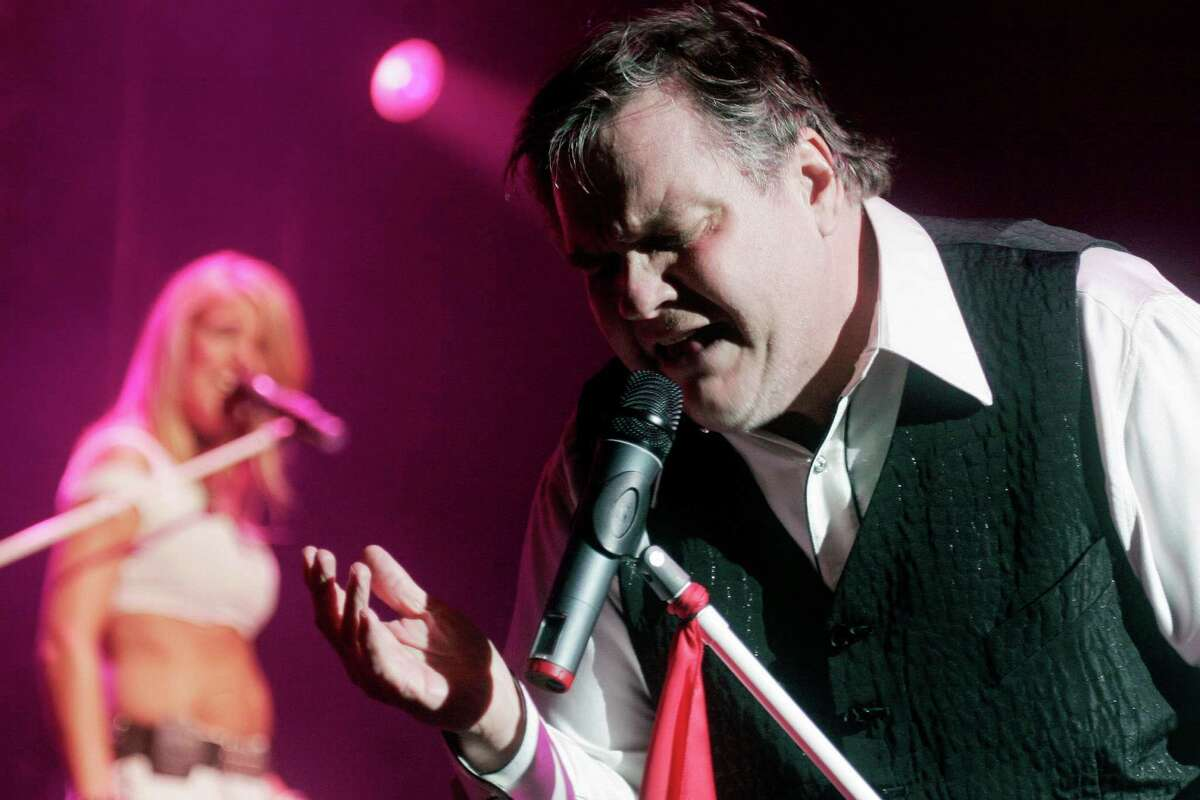Meat Loaf performs at a concert in New York's Madison Square Garden, Wednesday, July 18, 2007. (AP Photo/Andy Kropa)