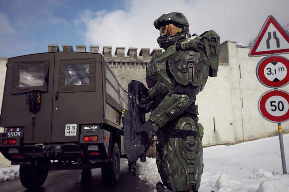 Master Chief stands guard at the Liechtenstein border during the HALO 4 
