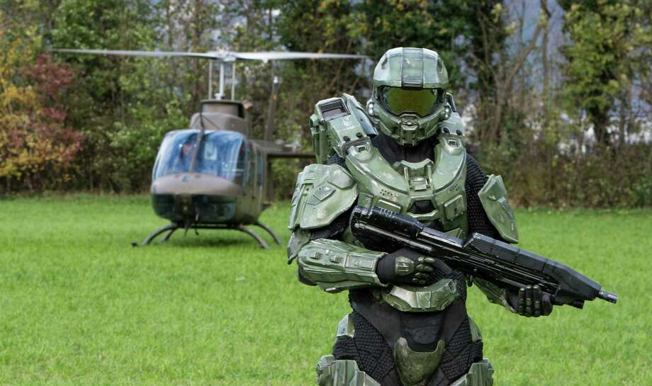 Master Chief stands guard during the HALO 4 launch by Xbox 360 on October 30, 2012 in Balzers, Liechtenstein. Photo: Ian Gavan, Getty Images For Halo By Xbox360 / 2012 Getty Images